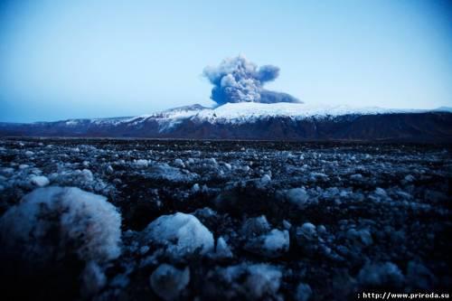 Геологи пророкують швидке виверження вулкана і біля Орегону