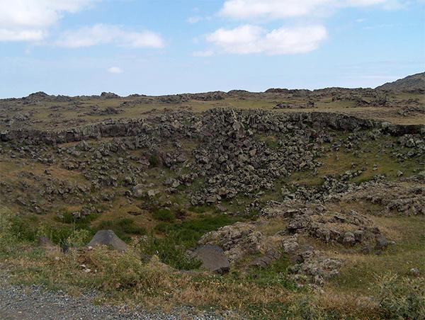 Арарат, вулкан, метеоритний кратер, Єреван