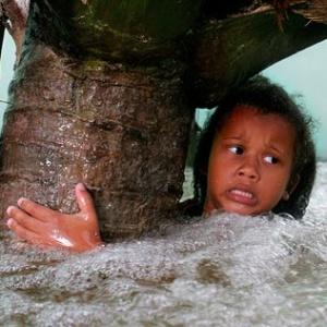 Землетрус, цунамі, виверження, Індонезія